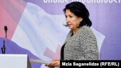 Кандидат в президенты призвала соответствующие ведомства и НПО отреагировать на факты угроз