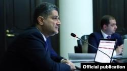 Armenia - Prime Minister Tigran Sarkisian speaks at a cabinet meeting in Yerevan, 25Jul2013.