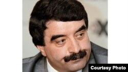 Борис Чочиев давать какие-либо комментарии отказывался, хотя и бросил на ходу, что сегодняшний инцидент может быть связан с серией дискредитирующих его интернет-материалов. фото: trud.ru