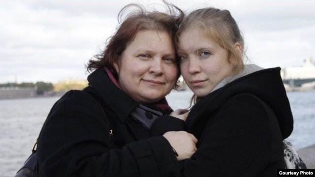 Tatyana Paraskevich (left), a former associate of Kazakh oligarch Mukhtar Ablyazov, with daughter Maria (family photo)