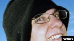 Жаред Ли Лоҳнернинг MySpace тармоғидаги сўнгги суратларидан бири.