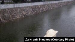Памятник пельменю в Благовещенске