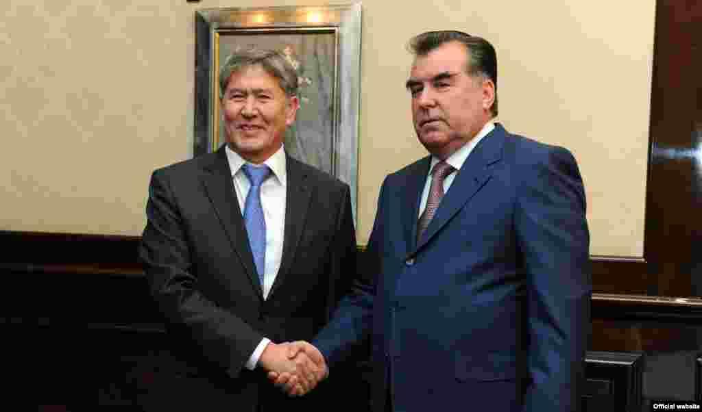 Встреча Алмазбека Атамбаева с президентом Таджикистана Эмомали Рахмоном. 20 декабря 2011 года