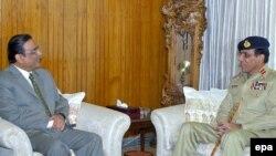 ژنرال اشفق پرويز کيانی، رييس ستاد مشترک ارتش پاکستان روز چهارشنبه در سخنان شديداللحنی گفت که پاکستان اجازه نخواهد داد که نيروهای خارجی به خاک اين کشور پای بگذارند. (عکس: epa)