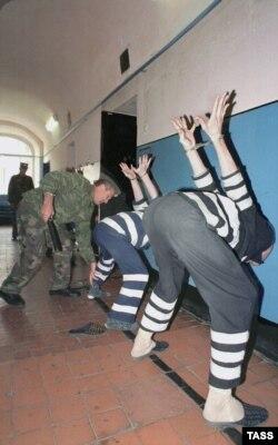 """Заключенные в """"Черном дельфине"""""""