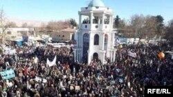 گردهمایی هواداران دسته انتخاباتی ثبات و همگرایی به رهبری عبدالله عبدالله در ولایت تخار