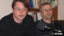 Алесь Смалянчук (зьлева) і Алесь Краўцевіч