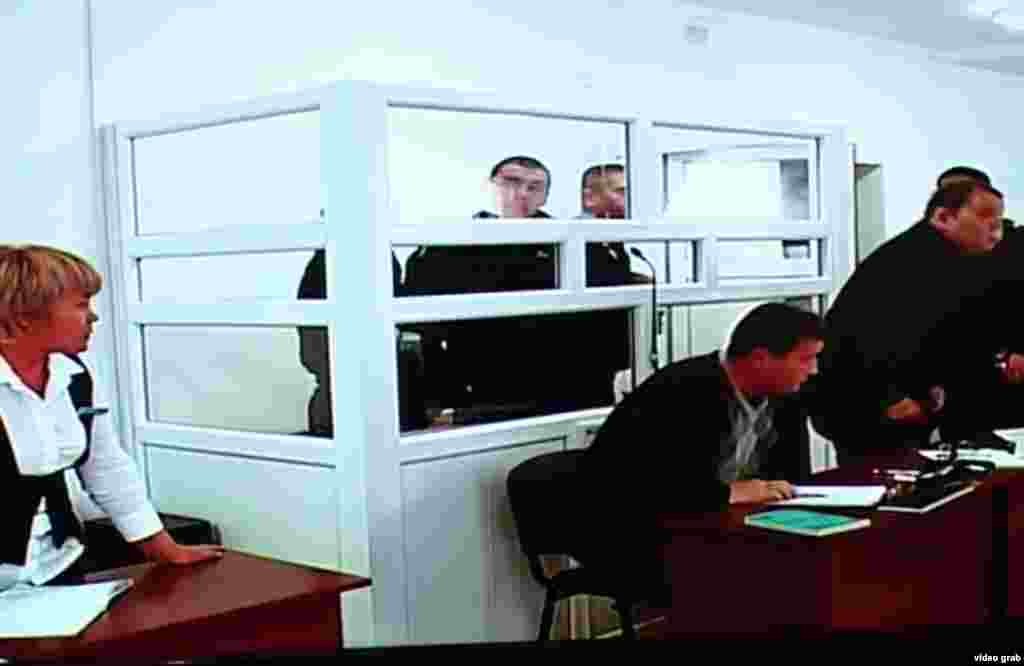 21 ноября подсудимый пограничник Владислав Челах предположительно пытался совершить членовредительство в тот момент, когда на суде решался вопрос о показе специальных видеозаписей. Его состояние врачи оценили после этого как удовлетворительное.
