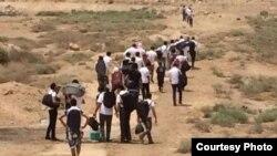 Evakuim i nxënësve nga një qendër arsimore në provincën Anbar pasi ajo ishte okupuar nga militantët e IS-it