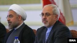 محمد جواد ظریف به همراه حسن روحانی (عکس از آرشیو)