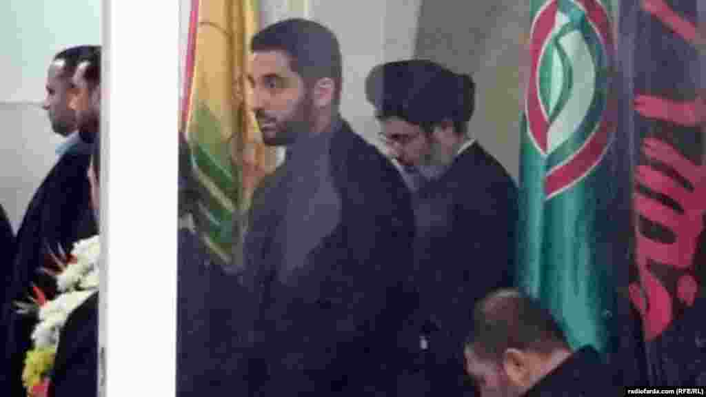 Hashem Safieddine (right), the head of the Hizballah Executive Council and a cousin of Hizballah leader Hassan Nasrollah, was among the mourners.