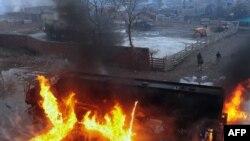 پېښور :د ناټو پر تېل وړونکو تانکرو بریدونه شوي.۲۰۱۱م کال د فبرورۍ ۲۵ نېټه