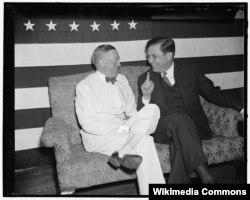 Соперник Рузвельта Льюис Уилки (справа) с кандидатом в вице-президенты Чарльзом Макнэри. Из коллекции Библиотеки Конгресса США