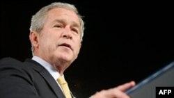 جرج بوش، ایران را «حامی تروریست ها» دانست.