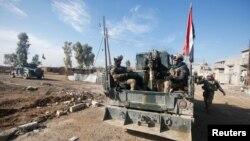 Forcat irakiane në pjesën lindore të Mosulit, Irak