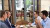 МАКЕДОНИЈА - Претседателот на ВМРО-ДПМНЕ Христијан Мицкоски се сретна со претседателот на Движењето БЕСА Биљал Касами. ВМРО-ДПМНЕ соопшти дека тие разговарале за актуелната политичка состојба, за стратешките интеграции на Македонија, како и за искористувањето на потенцијалите за соработка.
