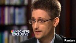 Эдвард Сноуден во время интервью телекомпании NBC