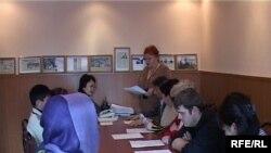 Активисты общенациональной социал-демократической партии «Азат». Талдыкорган, 1 февраля 2010 года.