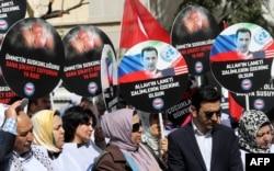 Astăzi la Ankara, la un protest în fața ambasadei ruse împotriva utilizării gazului toxic