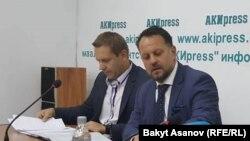 Михаэл Смелик жана Йиржи Войтеховски. Бишкек. 18-сентябрь, 2017-жыл.