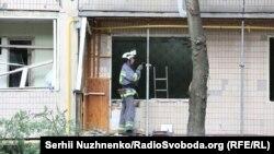 На місці вибуху у житловому будинку. Київ, 26 липня 2017 року