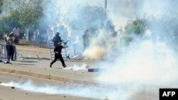 Беспорядки в Тунисе у посольства США