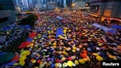 В один из дней массовых акций в Гонконге.