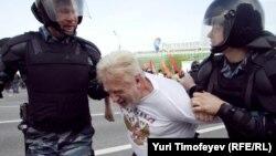 Задержания на Болотной площади 6 мая