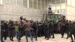 Liderul catalan condamnă violența poliției spaniole la refrendumul ilegal din Catalonia