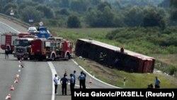автобус од Германија кон Косово излета на патот кај Славонски Брод, Хрватска, 25 јули 2021 година.