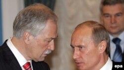 Грызлов о Путине: «для того, чтобы быть лидером, необязательно занимать какую-то должность, хотя, конечно, эта конкретная должность будет заниматься...»