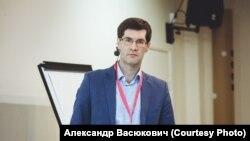 Сергей Зикрацкий.