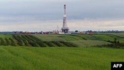 Пробная скважина компании Chevron на месторождении сланцевого газа, юго-восток Польши