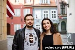 Дар'я Чэхава з мужам Павалам у Старым горадзе ў Рызе.
