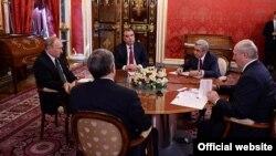Россия - Президент Армении Серж Саргсян (второй справа) на неформальной встрече с президентами России, Беларуси, Кыргызстана и Таджикистана, Москва, 8 мая 2014 г.