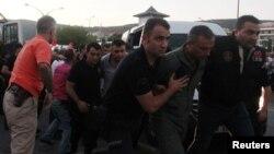 Թուրքիայում ձերբակալում են հեղաշրջման մեջ ներգրավված զինվորականին, 17-ը հուլիսի, 2016թ․