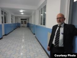 Доктор Надер Алеми, основатель психиатрической больницы Alemi Neuro в Мазари-Шарифе. Афганистан, апрель 2012 года.