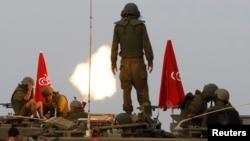Իսրայել -- Իսրայելի զինծառայողները զրահամեքենայով ծառայություն են իրականացնում Գազայի հատվածում, 1-ը օգոստոսի, 2014թ․