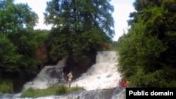 16-метровий водоспад на р. Джурин