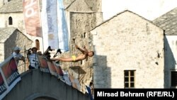 Skokovi sa Starog mosta u Mostaru, foto: Mirsad Behram