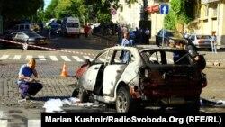 Взорванный автомобиль, в котором находился журналист Павел Шеремет. Киев, 20 июля 2016 года.