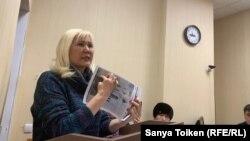 Гражданская активистка Санавар Закирова на одном из судебных процессов.