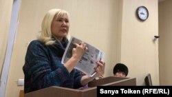Белсенді Санавар Закирова сотта тұр. Нұр-Сұлтан, 12 желтоқсан 2019 жыл.