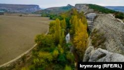 Иллюстрационное фото: Крым, вид на речку Бельбек