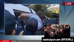 На кадре из видео — задержание граждан полицией в Ереване. 19 апреля 2018 года.
