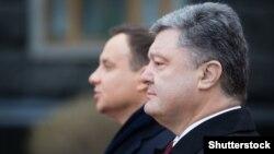 Анджей Дуда (ліворуч) та Петро Порошенко