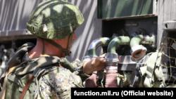 Військовослужбовці Росії виконали забір води зі стаціонарних джерел, провели її очищення й опріснення