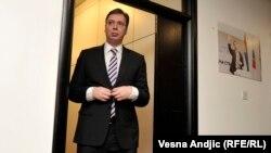 Oficijelna propaganda (...) insistira upravo na tome da je Aleksandar Vučić jedini čovek koji je uopšte dostojan funkcije predsednika: Pančić