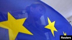 Процедура «Європейська громадянська ініціатива» набрала чинності. Це намаганням залучити мільйони осіб до «прямої демократії»