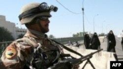 نیروهای امنیتی عراق، حفاظت از منطقه سبز بغداد را برای برپایی این کنفرانس افزایش داده اند.